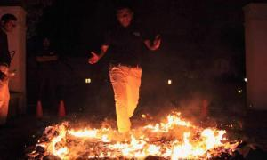 Fire-walk Training for Sales Professionals